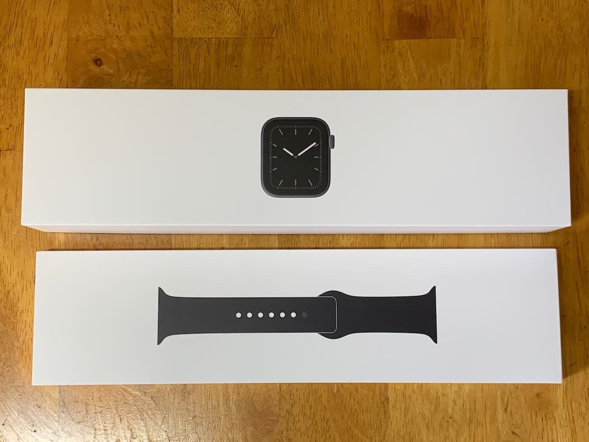 Apple Watch 5の中箱