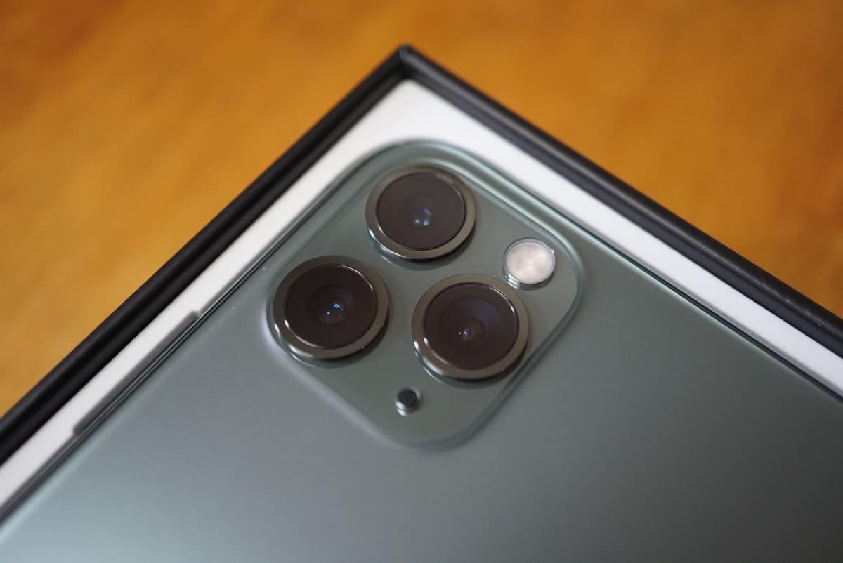 iPhone 11 Proのトリプルカメラ