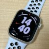 Apple Watch7、Nikeモデル。スターライト